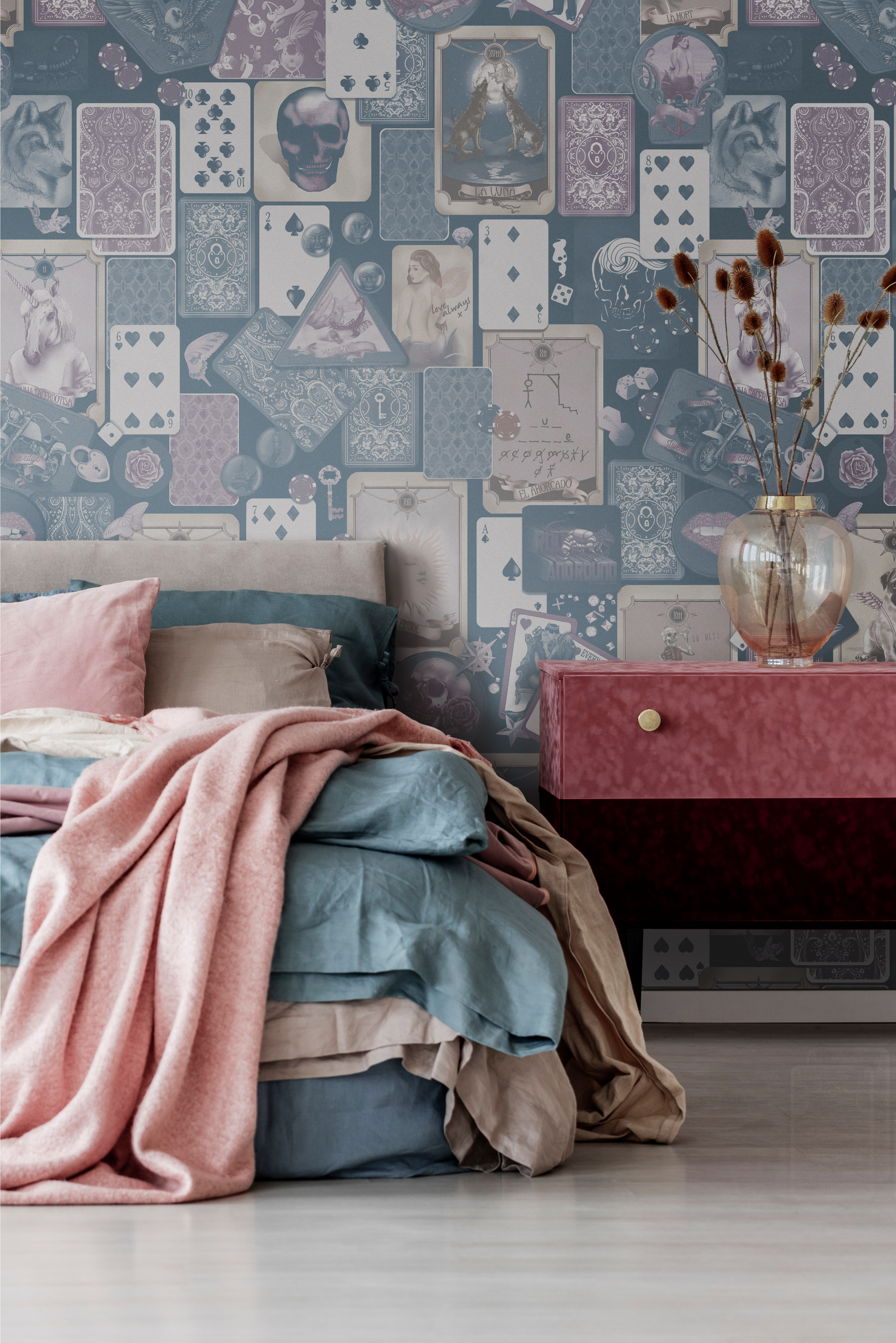 Wallpaper For Walls Australia - Gorgeous bedroom inspiration and design style inspo. In colours of beige, steel blue, mauve and pink. Gold bedside tables. Amazing Statement Wallpaper Designs